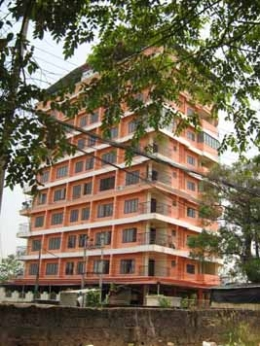 1348 SQ.FT. 2BHK 7TH FLOOR FLAT NEAR COLLECTORATE  KAKKANAD,KOCHI