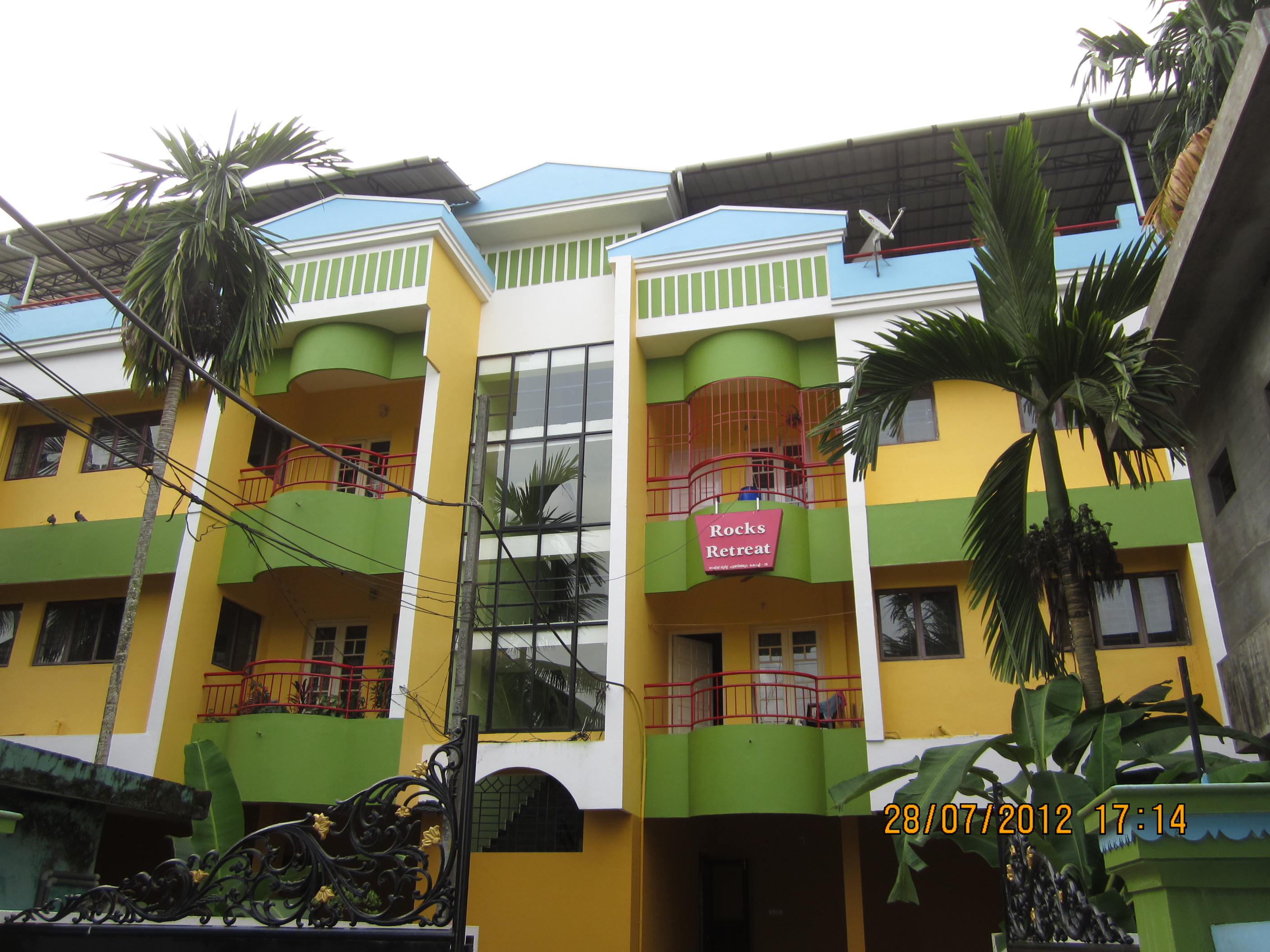 2 BHK FLAT FOR SALE IN MARADU - ERNAKULAM