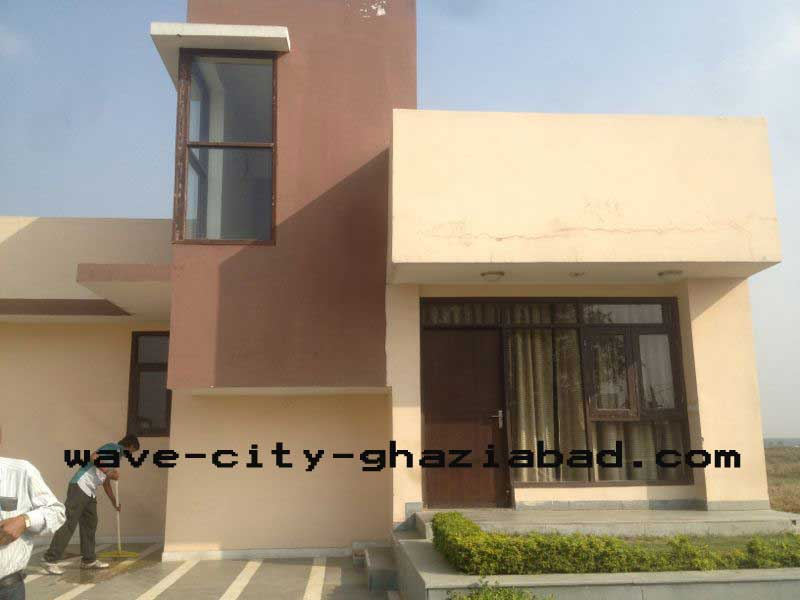 135 Yard 2BHK Flat Only At 30 Lac In Wave City Ghaziabad