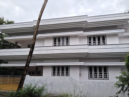2200 Sq ft House in 4.5 Cents for sale in Aluva. Asking Price 82 Lakhs Negotiable