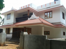Perumbavoor 6.40 cent 2100 sqft 4 bhk house 52 lakhs fixed www.dotmozgroup.com  9544959507