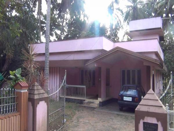 26CENT WITH 1300sqft HOUSE FOR SALE IN MANNUTHY CENTER