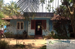 10 cent with small house for sale in near Meppadi.
