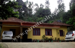 2.50 acre land with house for sale in Maadakara|(Batheri).
