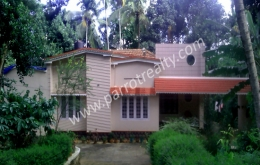 30cent land with  house for sale in near kalloor.wayanad
