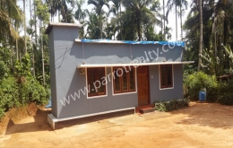 10cent land with  house for sale in near Panamaram.wayanad