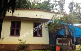 land with 3bhk house for sale in Irulam