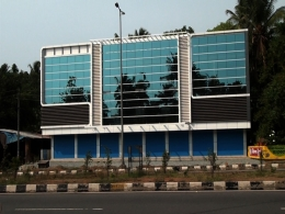8000sqft Third stored building for sale kodakara, Thrissur District.